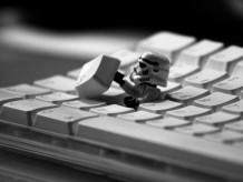 Storm-Trooper-Escape-Wallpapers-10881-5f2560x1920